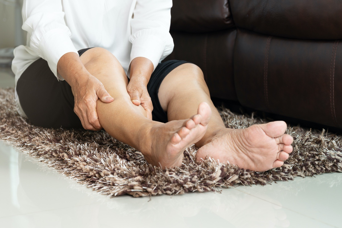 a lábak visszérgörcsölnek